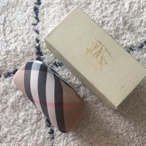 Authentic NWT Burberry Sunglass Case